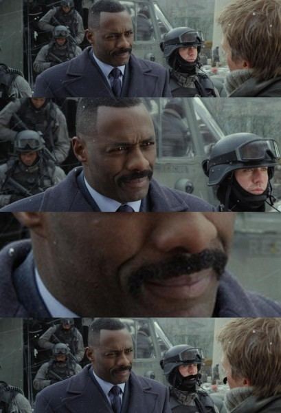 Idris Elba i jego wąsy