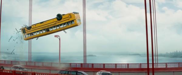 Terminator Genisys - latające autobusy