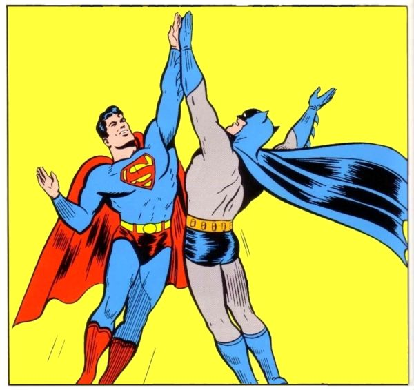 Masa Kultury - superhero high five